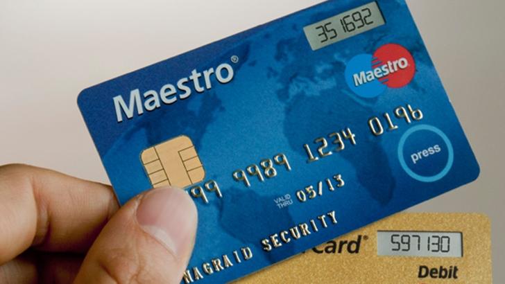 Займ для пенсионеров на онлайн карту Маэстро: особенности получения денег